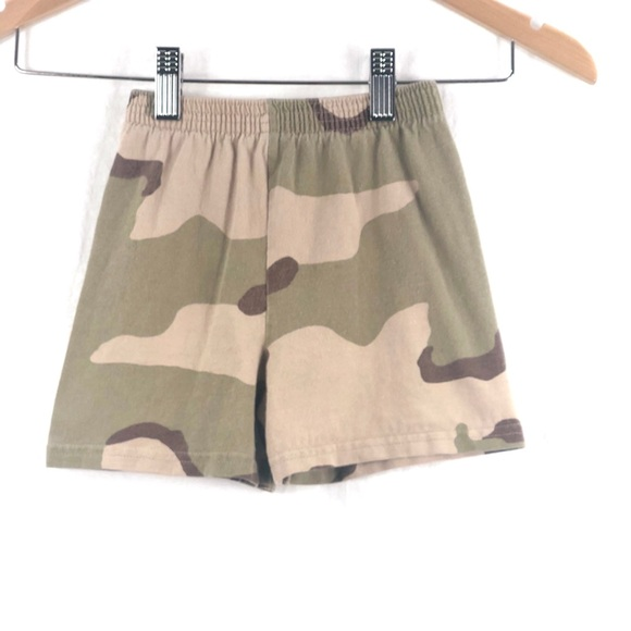 Spencer's Other - ⭐️ 5/$30- Vintage wash camo shorts